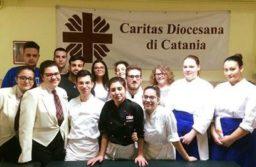 Studenti alla Mensa della Caritas di Catania